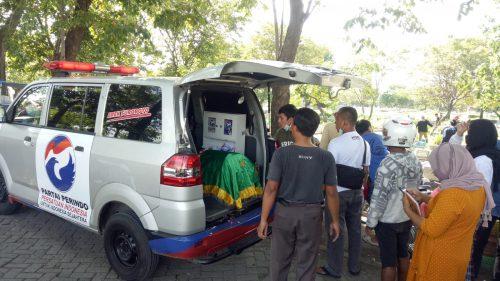 Mobil ambulan Perindo Surabaya